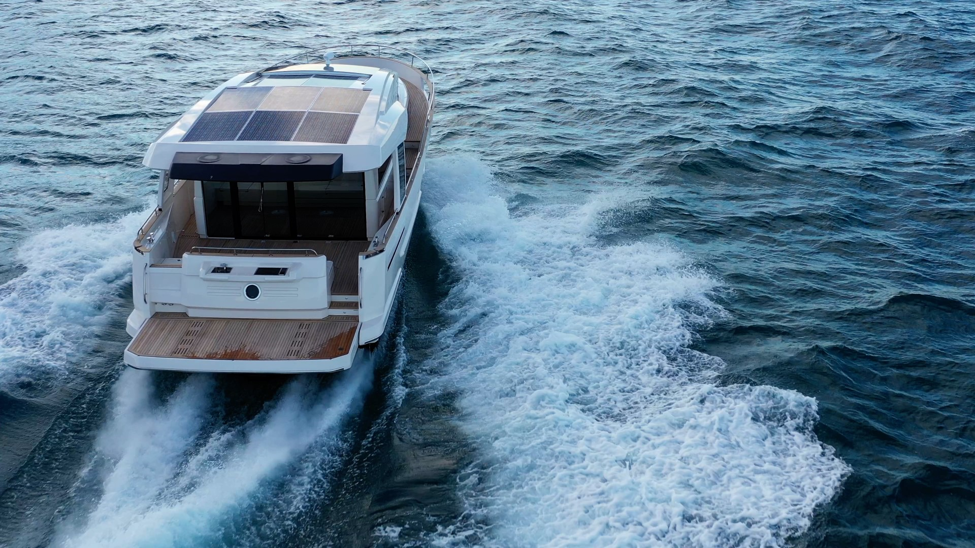 Greenline 48 Coupe - Greenline Yachts UK